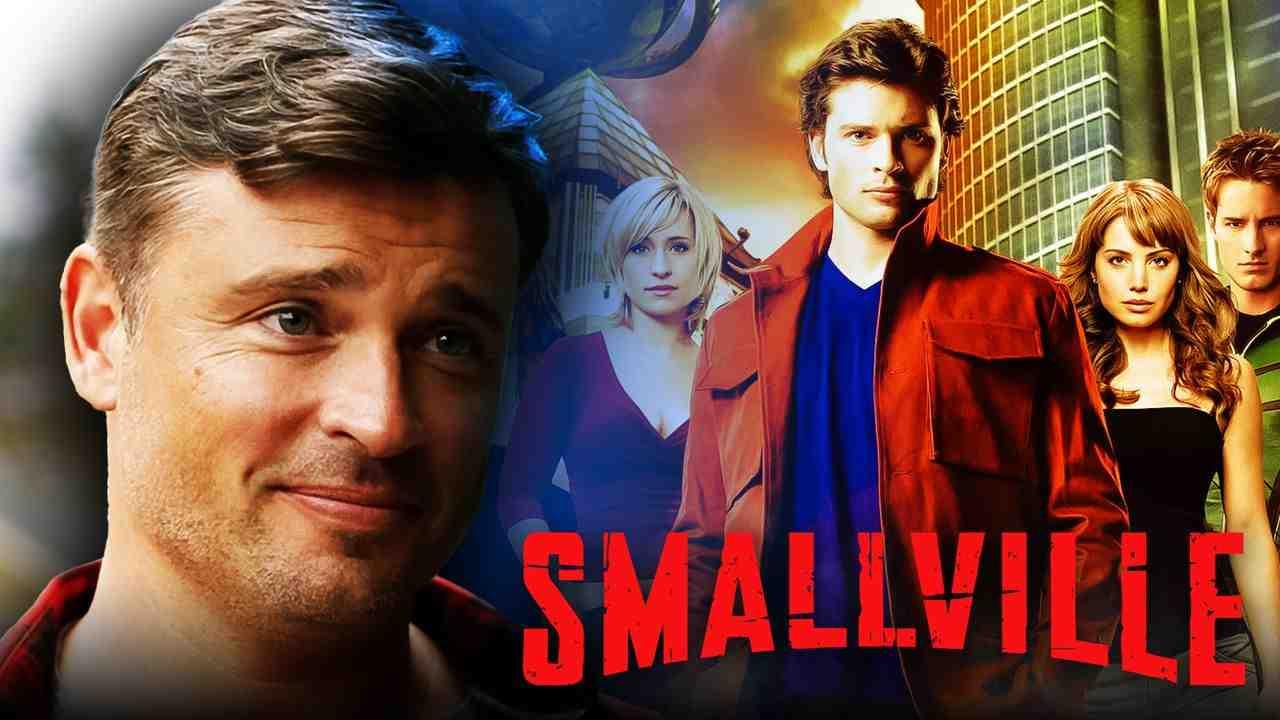 Tom Welling as Clark Kent, Smallville logo