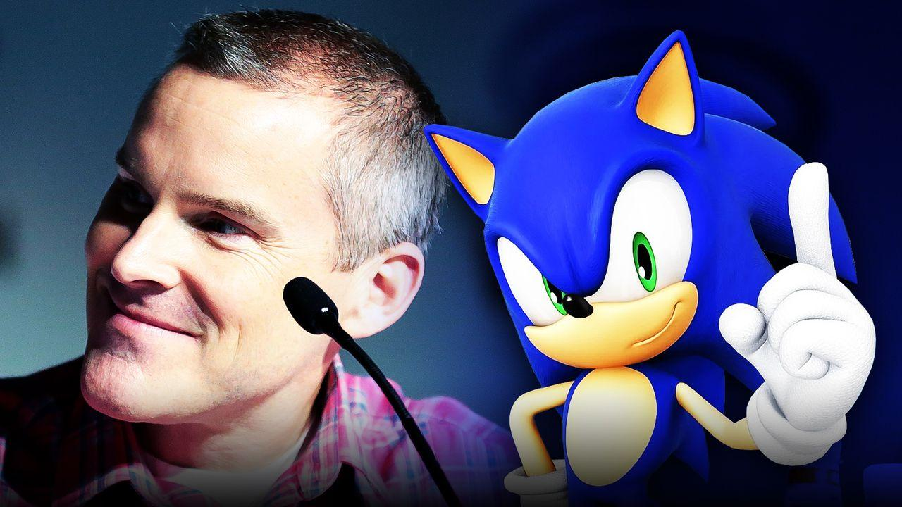 Roger Craig Smith next to an animated Sonic the Hedgehog
